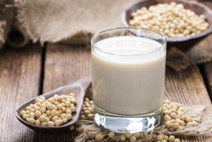 Leite de soja: benefícios e como fazer em casa