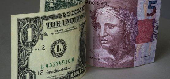 Nesta manhã de quinta-feira, dólar sofre queda consecutiva e é cotado a R$ 5,3591